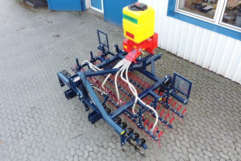 GRÜNLAND-PROFI 3 ST - Crossboard, Striegeleinheit dreifach, Räder, OPTIONAL: Streuereinheit