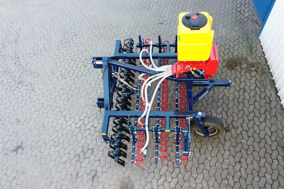 GRÜNLANDPROFI 3 ST - Crossboard, Striegeleinheit dreifach, Räder, Streuereinheit